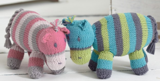 Cute Knitted Noahs Ark Hippos [FREE Knitting Pattern]
