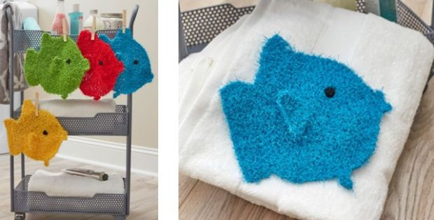 colorful knitted fish scrubbies | The Knitting Space |