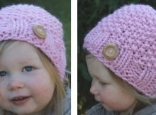 Mini kid's knitted seed stitch hat | The Knitting Space