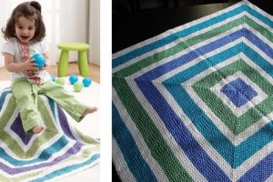 Tri-color squares knitted baby blanket | The Knitting Space