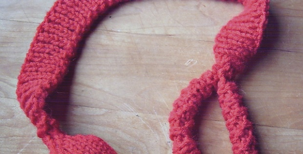 knit bouncy cat toy | the knitting space