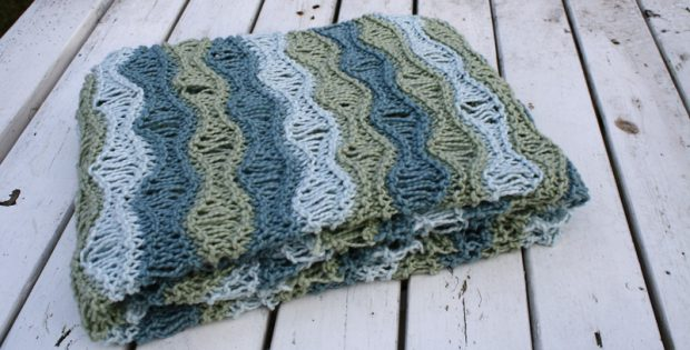 breezy knitted baby blanket | the knitting space