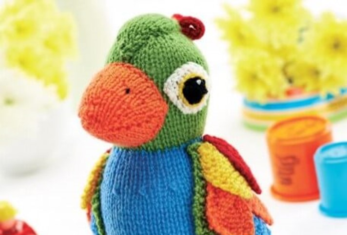 Jayne Cobb Hat Pattern Knit : Colorful Knitted Parrot Soft Toy [FREE Knitting Pattern]