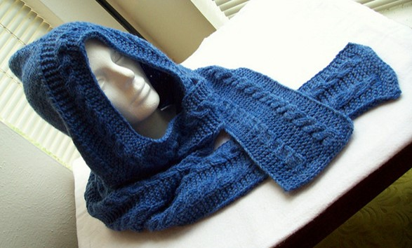 Knitted Head Scarf Pattern : Heel Head Knitted Scarf With Hood [FREE Knitting Pattern]
