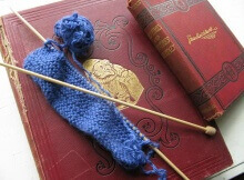 knitting and reading | the knitting space