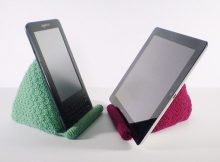 knitted reading rest for tablet   the knitting space
