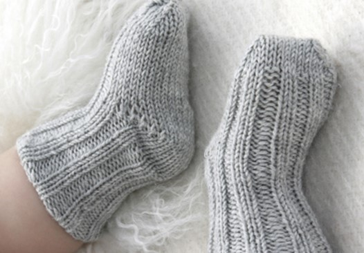 Traditional Knitted Baby Socks [FREE Knitting Pattern]