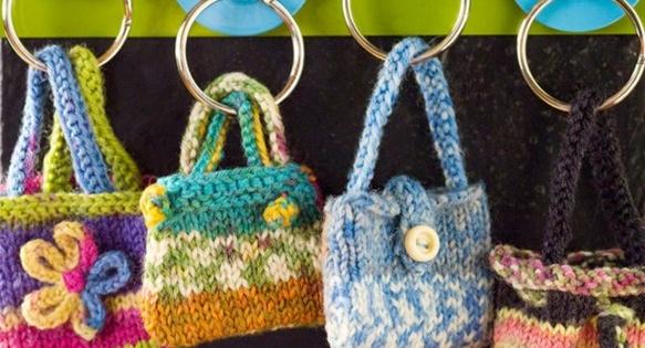 Knitted Mini Key Ring Purses [FREE Knitting Pattern]