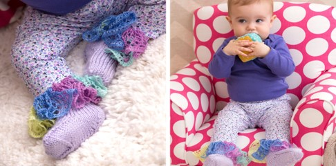 knit ruffle baby booties | the knitting space