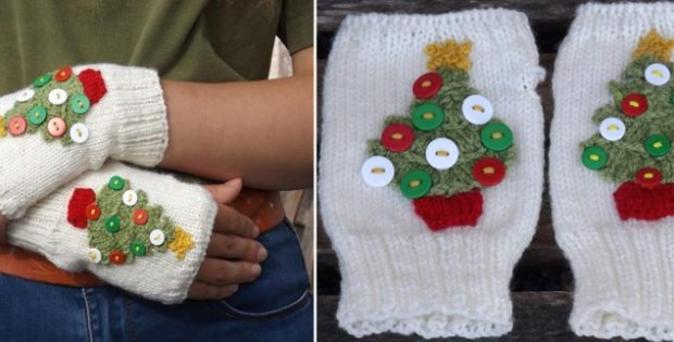 Christmas Tree Knitted Hand Warmer [FREE Knitting Pattern]