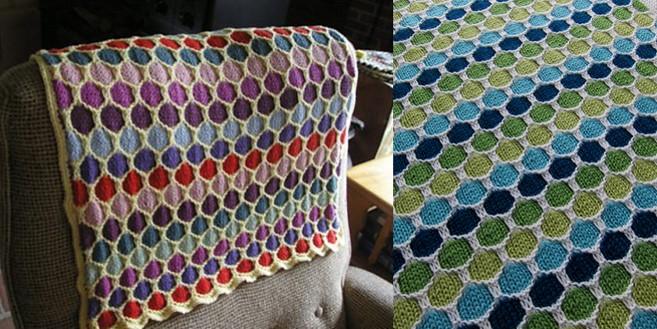 Honeycomb Knitted Stroller Blanket [FREE Knitting Pattern]