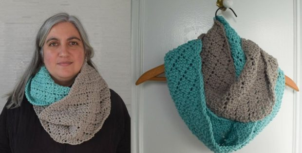 Two Toned Diamonds Knitted Infinity Scarf Free Knitting Pattern