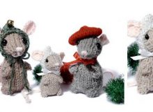 adorable knitted holiday mice | the knitting space