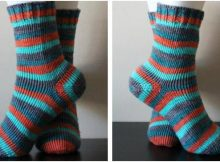 basic knitted striped socks | the knitting space