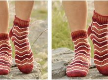 cheerful knitted wave Jupiter socks | the knitting space