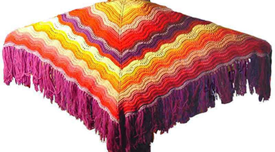 Knitted Comfort Shawl With Feather And Fan Pattern Free