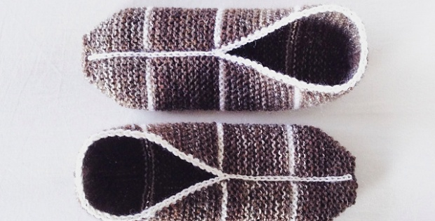 Knitting Easy Slippers : Grandma s easy pouch slippers · how to sew a pair of fabric