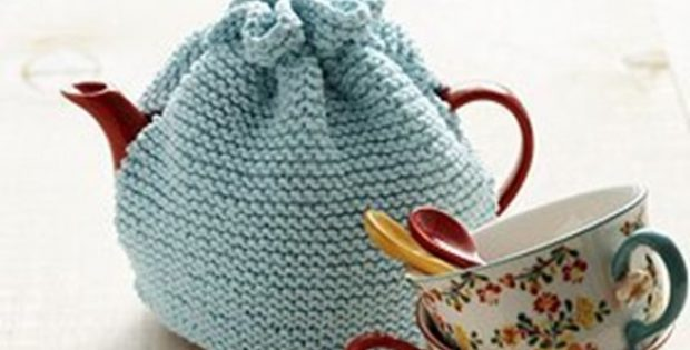 Beginner Garter Stitch Knitted Tea Cozy Free Knitting Pattern