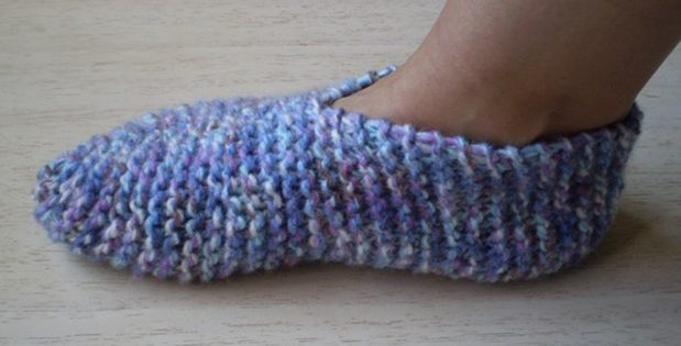 grown-up knitted garter booties | the knitting space