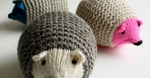 356d55b8e35f2e Knit Hedgehogs  FREE Knitting Pattern