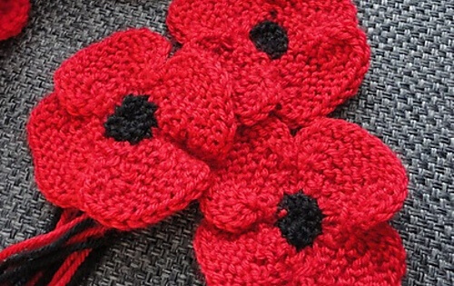 Knit Poppy Flower Free Knitting Pattern