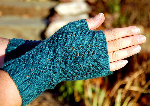 Merletto Knitted Fingerless Lace Mitts Free Knitting Pattern