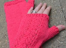 Knitting Perfect Thumb Gussets | The Knitting Space