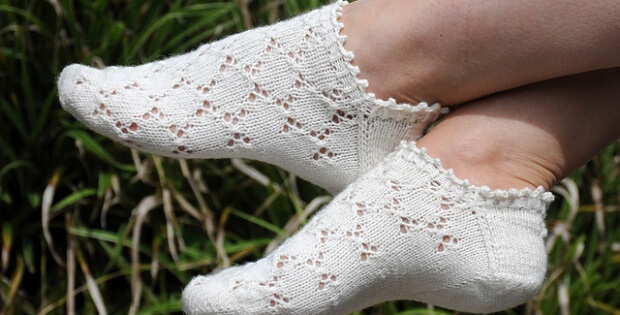 Knitted Mouches Socks Free Pattern