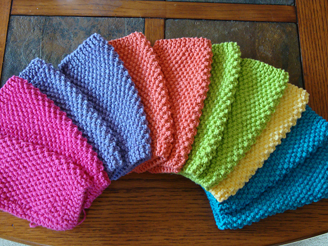 Knitting Dishcloths Easy : Knit simple seed stitch dishcloths free pattern