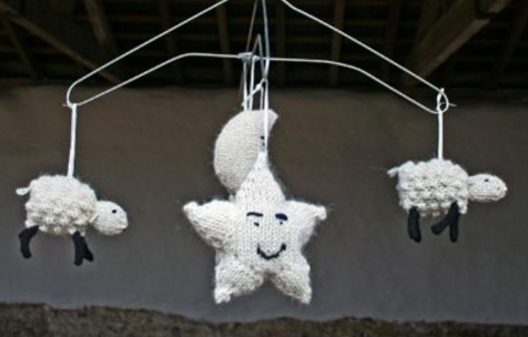 knitted sleepy sheep mobile | the knitting space