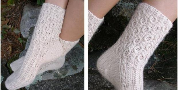Sweet Cabled Lace Knitted Socks [FREE Knitting Pattern] Enchanting Knitted Socks Pattern Free