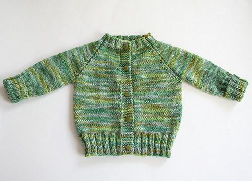 Top Down Knitted Raglan Baby Sweater [FREE Knitting Pattern]