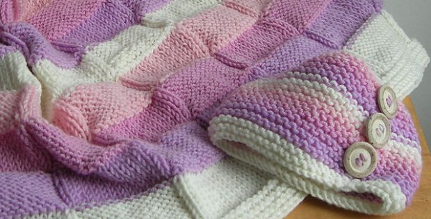 Vezzosa Knitted Baby Blanket And Bonnet Free Knitting Pattern